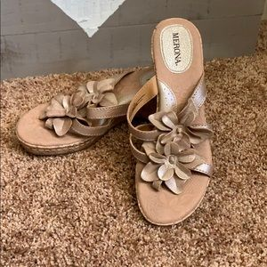 Flower 🌸 wedges! Super adorable